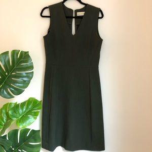 MM Lafleur Dresses - MM. LaFleur Olive V-Neck Sleeveless Dress *flaw*